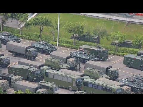 شاهد القوات المسلحة الصينية تستكمل عمليات انتشارها عند حدود هونغ كونغ