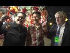 شاهد كيم وجونسون ينضمان لمحتجي هونغ كونغ وسط ترحيب كبير