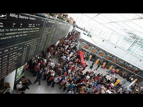 شاهد مسافر تائه يتسبَّب في إلغاء 130 رحلة في مطار ميونيخ