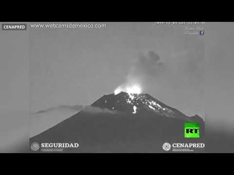 شاهد لحظة ثوران بركان بوبوكاتبتبيل في المكسيك