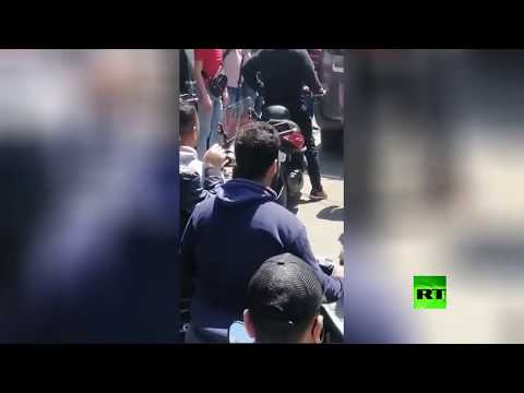 شاهد تشييع شاب سقط خلال الاشتباكات بين محتجين والجيش اللبناني
