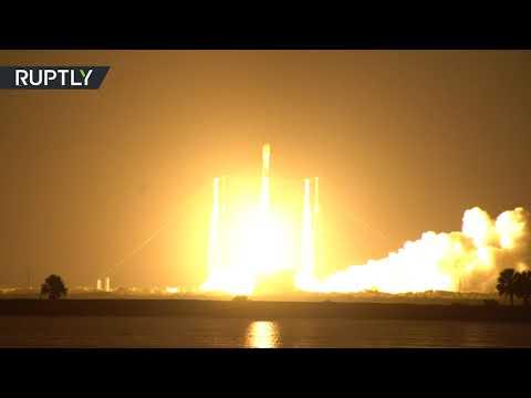 شاهد لحظة إطلاق صاروخ فالكون يحمل إلى الفضاء مجموعة أقمار ستارلينك