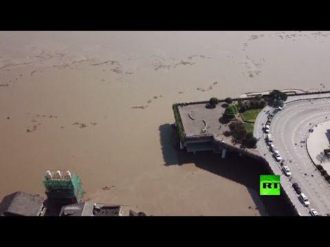 شاهد لقطات جديدة لفيضان نهر يانغتسي في الصين