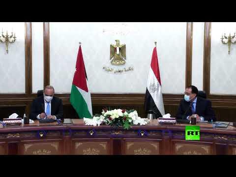 شاهد رئيس الوزراء المصري يستقبل نظيره الأردني بشر الخصاونة في القاهرة